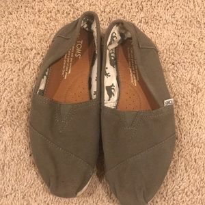 Army Green Toms